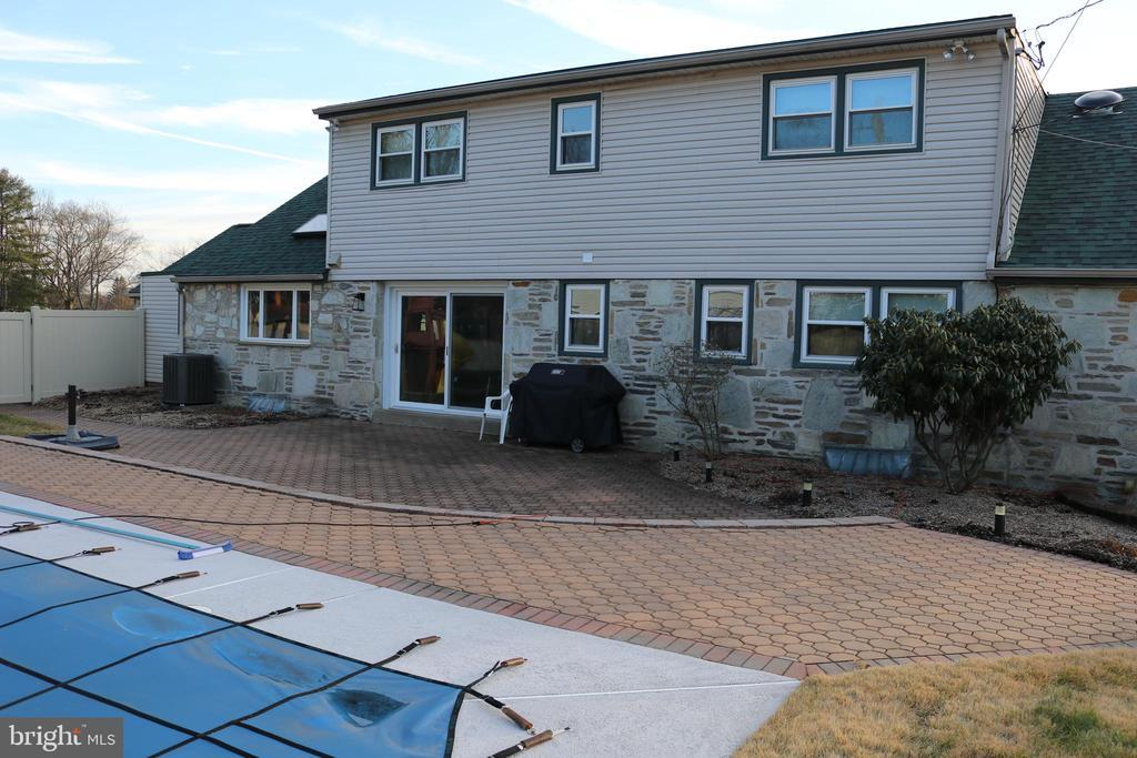 399 LAWRENCE ROAD photo