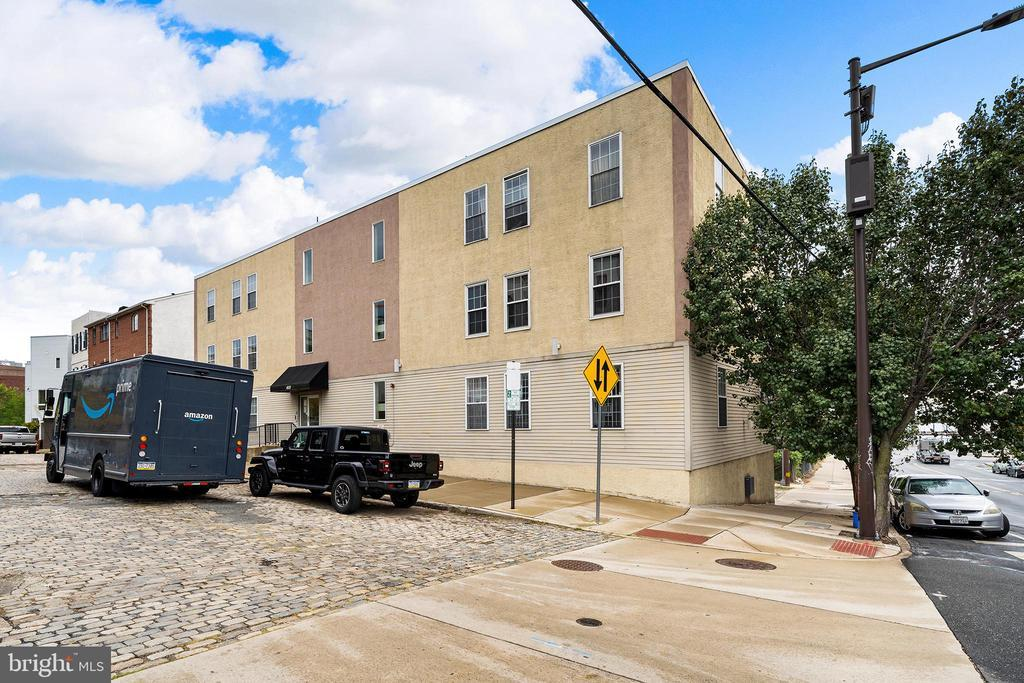 401 N FRONT STREET Unit: 2C photo