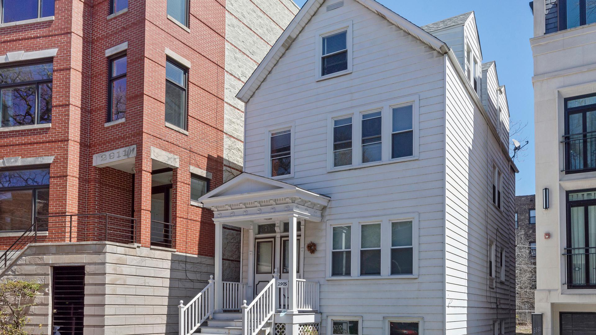 2905 N Burling  Street, Unit 2 photo