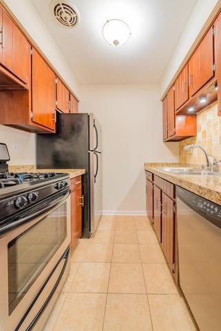 455 W St James  Place, Unit 401 photo