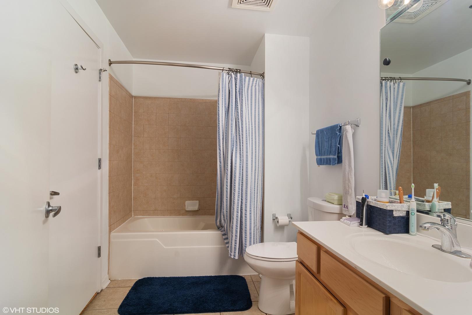 933 W Van Buren  Street, Unit 318 photo
