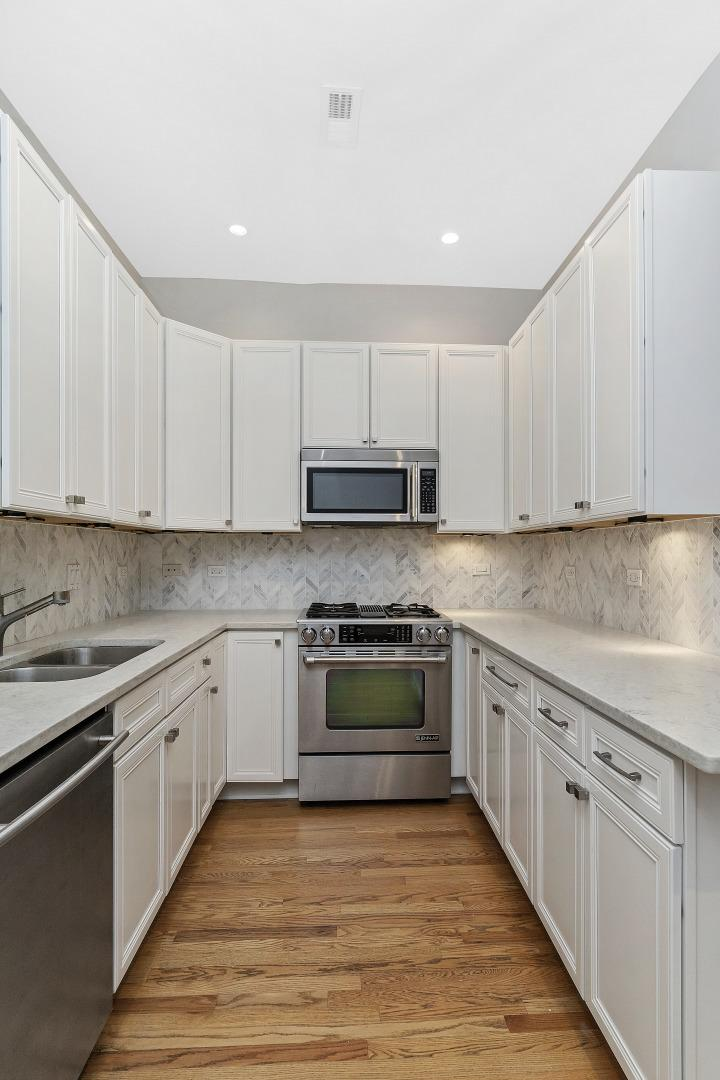 733 W Waveland  Avenue, Unit 1 photo