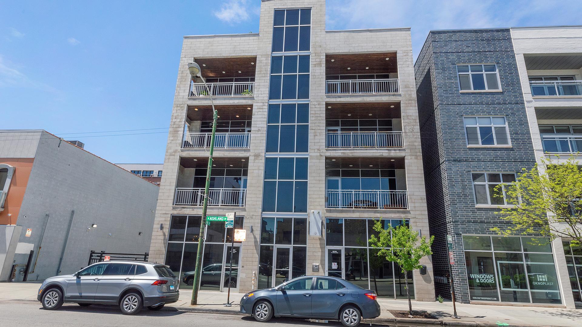 830 N ASHLAND  Avenue, Unit 3S photo