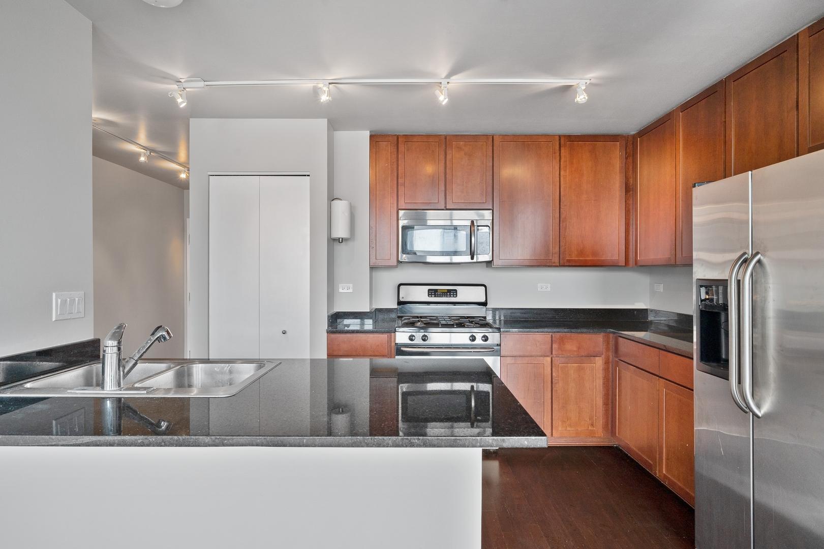 845 N Kingsbury Street , Unit 409 photo