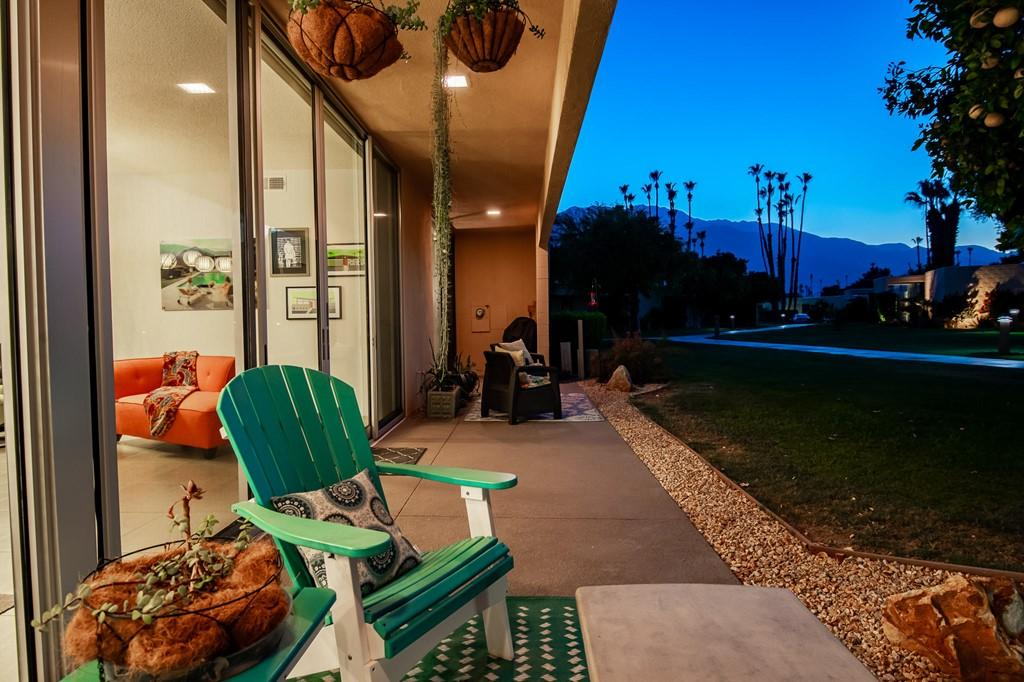 264 Desert Lakes Drive photo