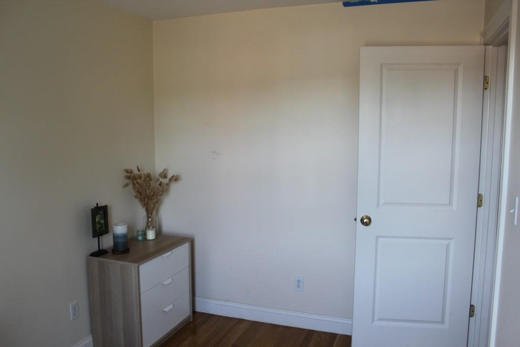 9 Russell St Unit: 3 photo