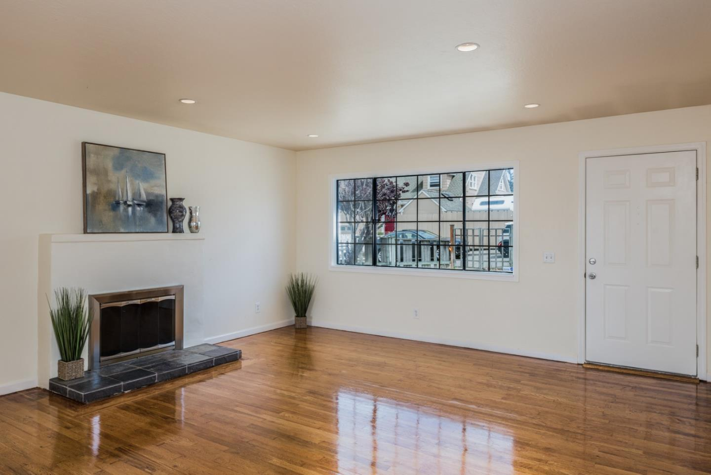 1293 Soto ST preview