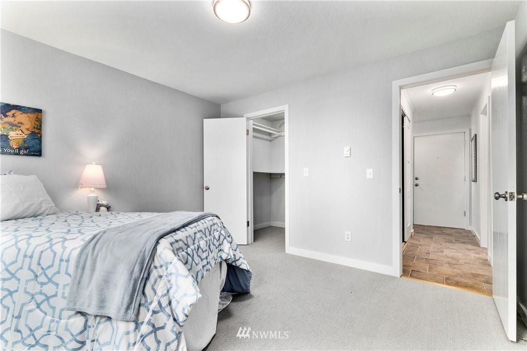 8747 Phinney N  Avenue, Unit 14 photo