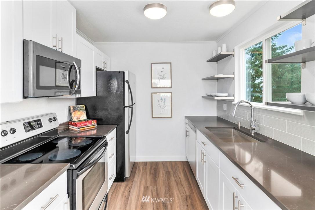 8747 Phinney N  Avenue, Unit 14 preview