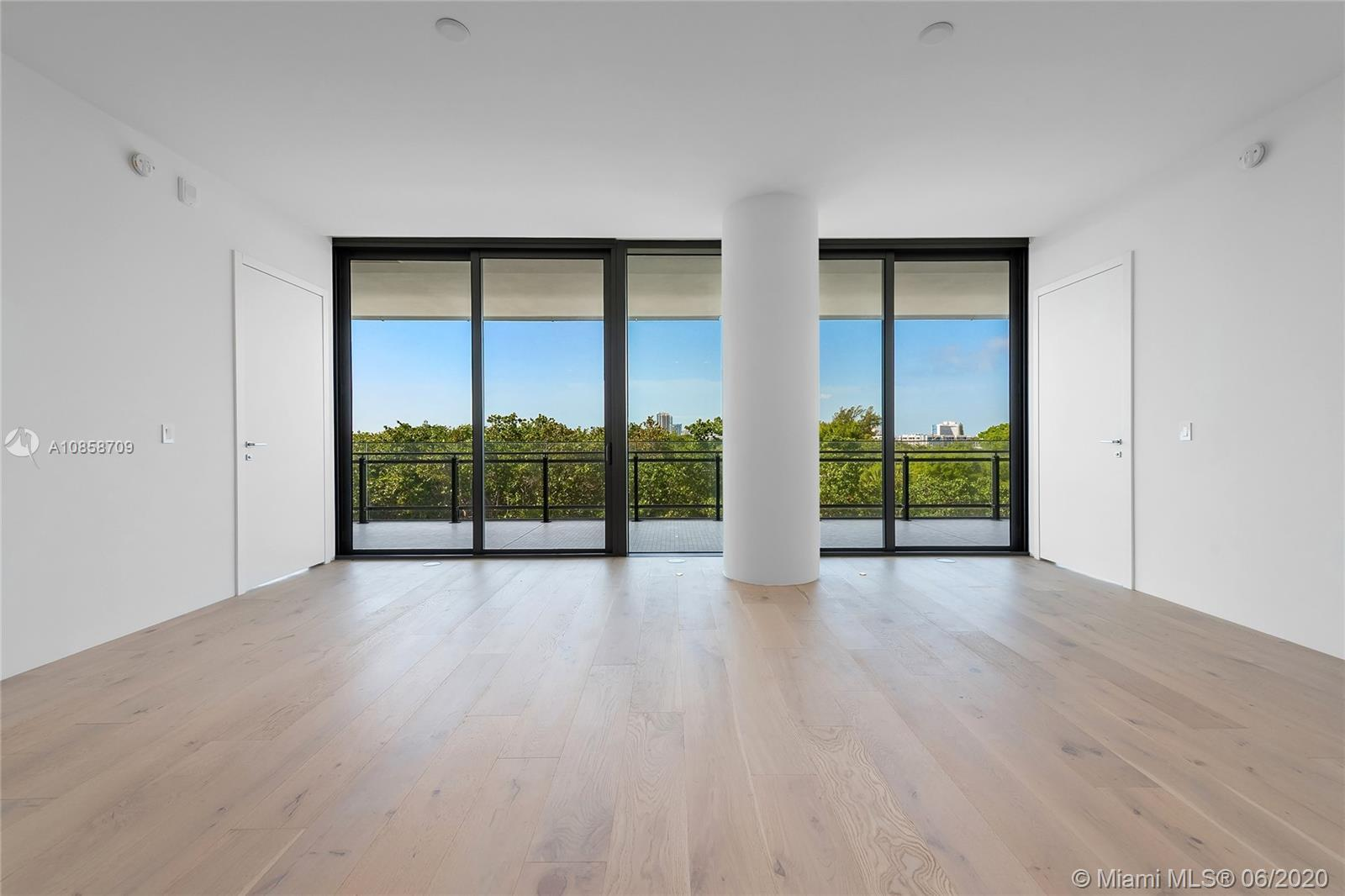8701 Collins Ave, #404