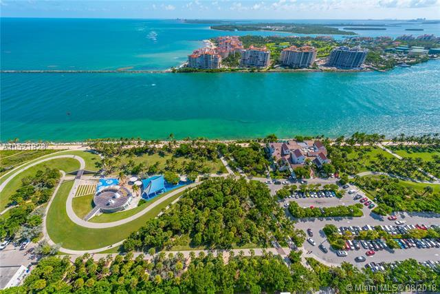 100 S Pointe Dr Unit: 3303
