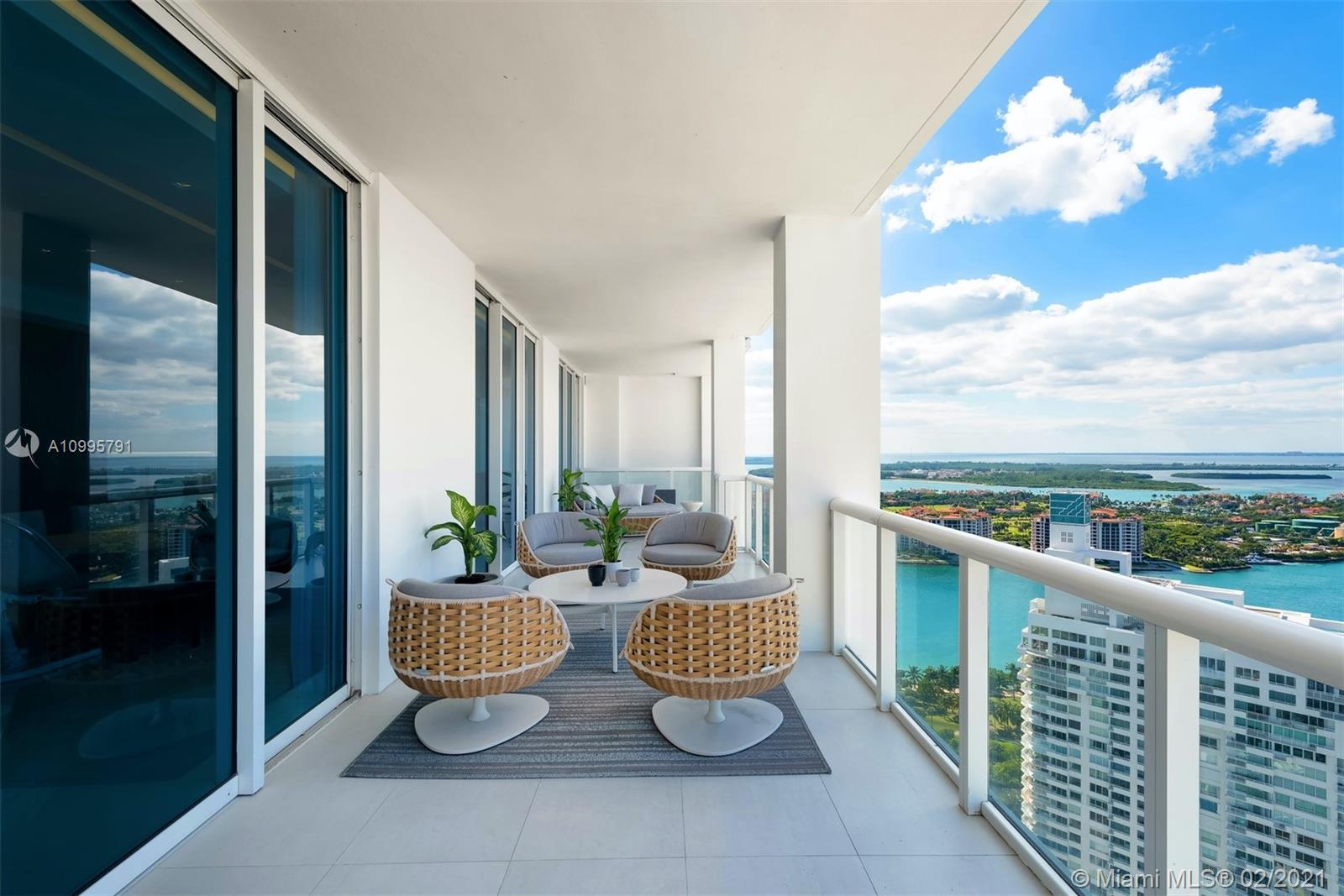 50 S Pointe Dr Unit: 3403