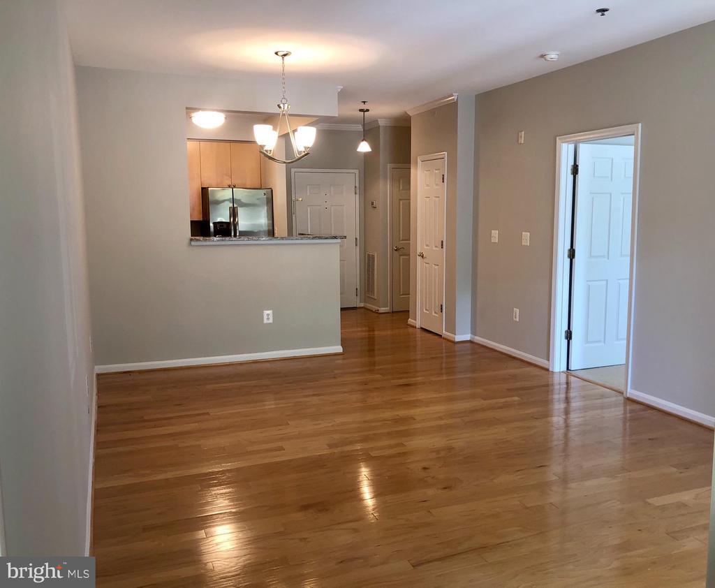 11775 STRATFORD HOUSE PLACE Unit: 107 photo
