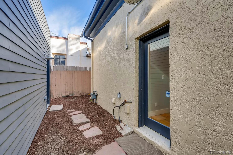 3260  Curtis Street photo
