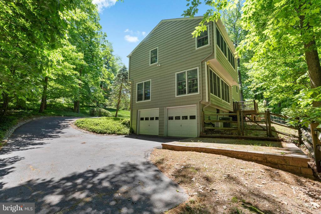 13 SPRING HOLLOW RD photo