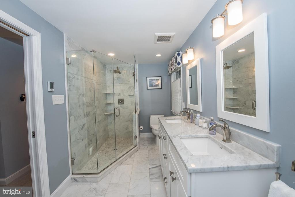 765 W VALLEY ROAD photo