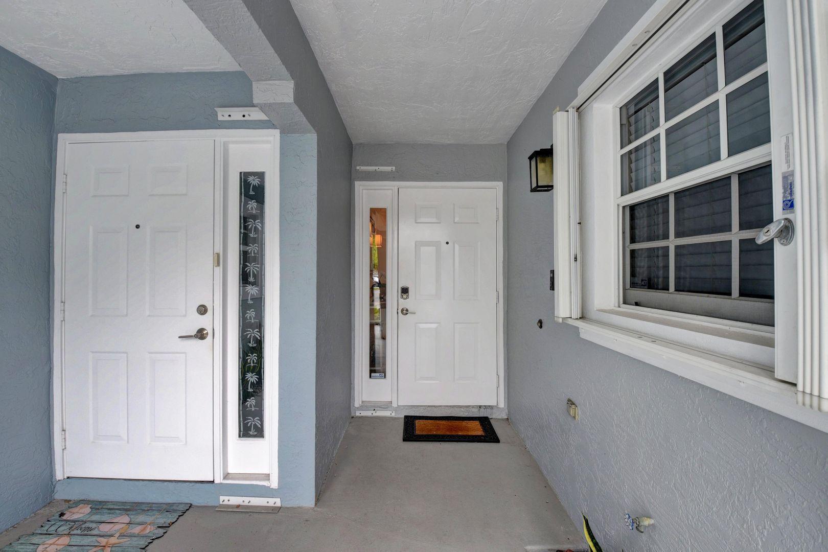 898 E Jeffery Street photo