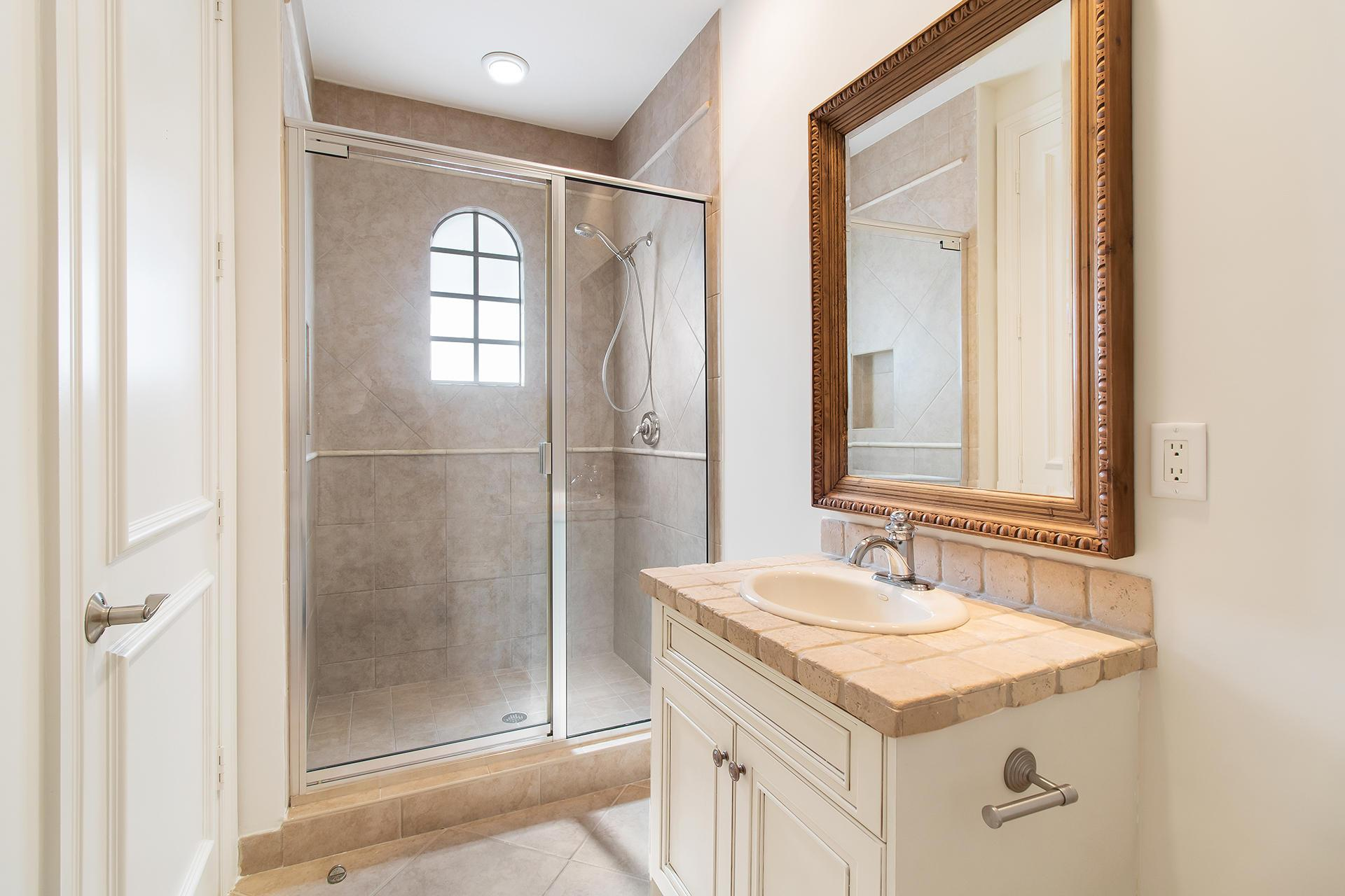17562 Middlebrook Way preview