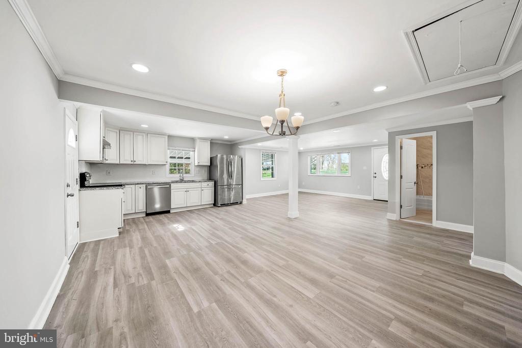 Beautiful One Floor Living in Howard County!!! photo