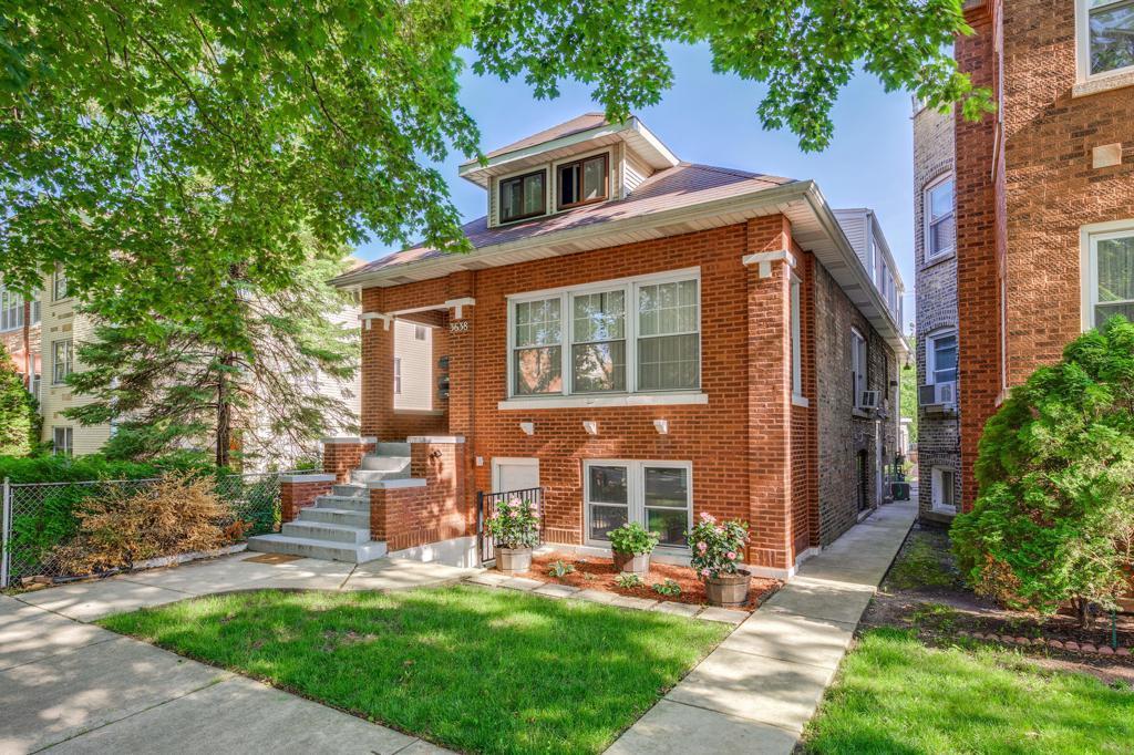 3638 W Cornelia Avenue photo