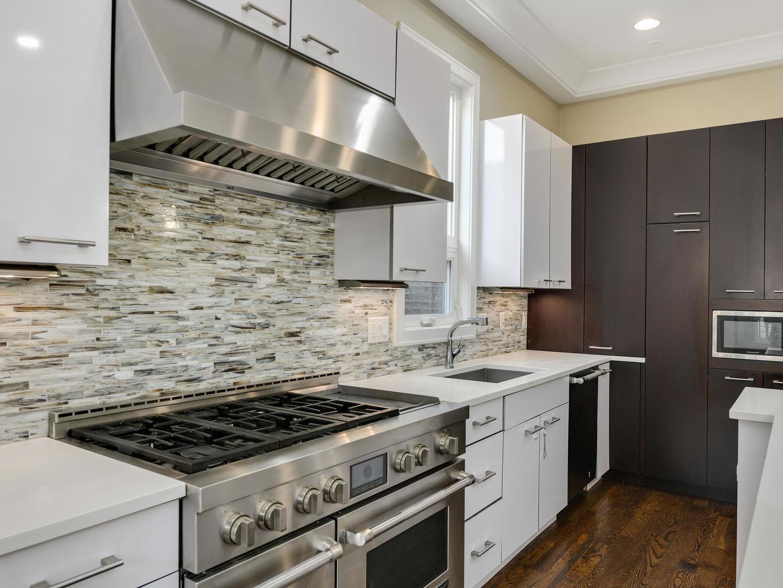 844 N DAMEN Avenue photo
