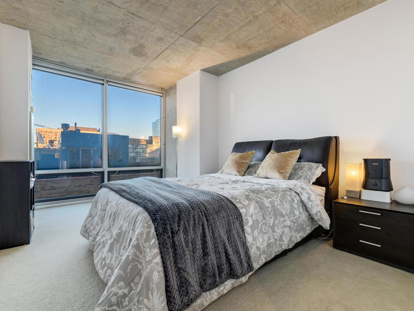 611 S Wells  Street, Unit 1603 preview