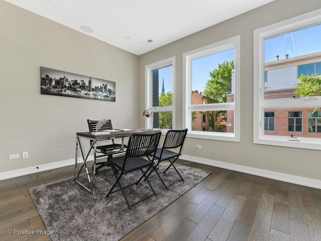 1319 W George Street preview