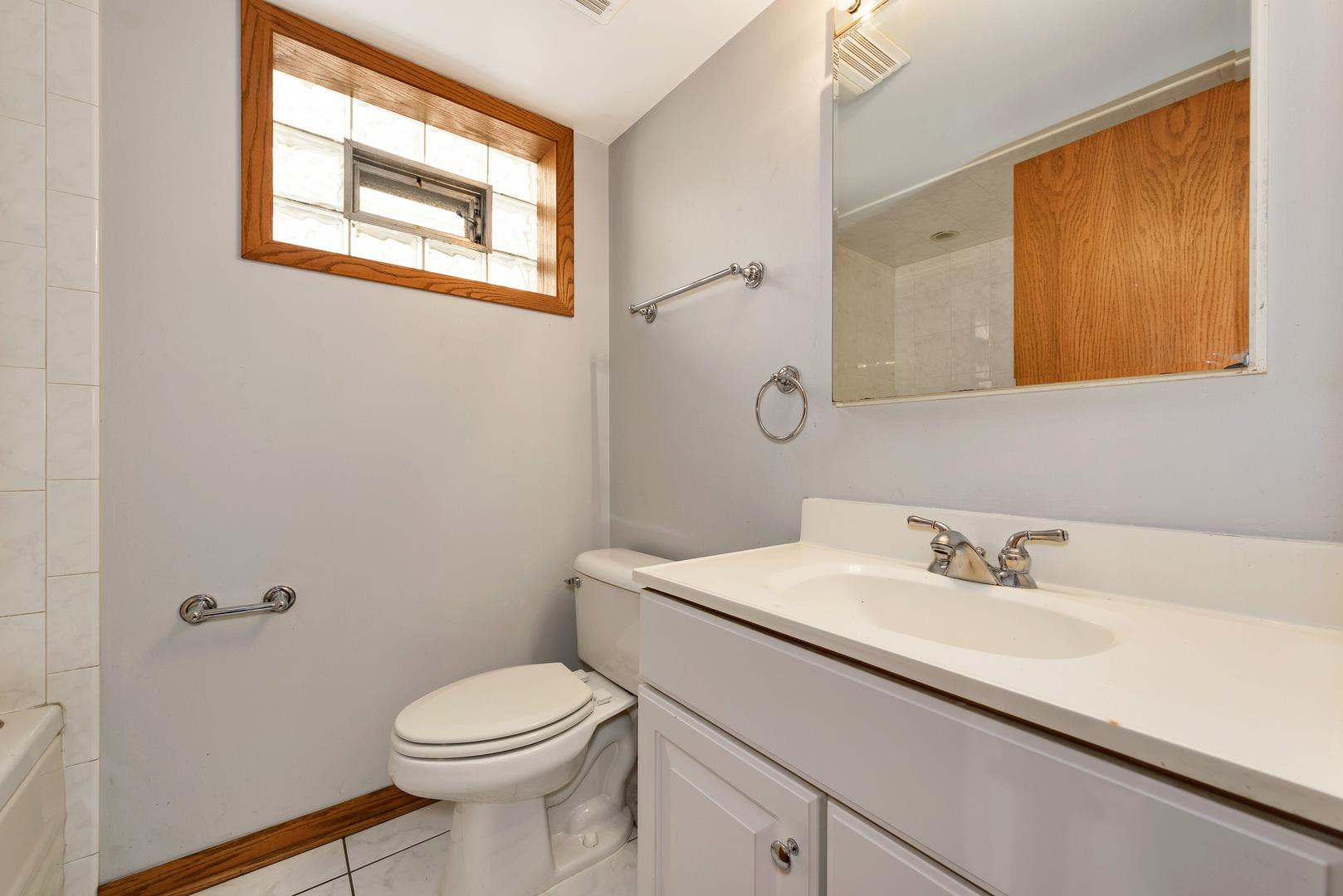 4655 N Thatcher Avenue preview