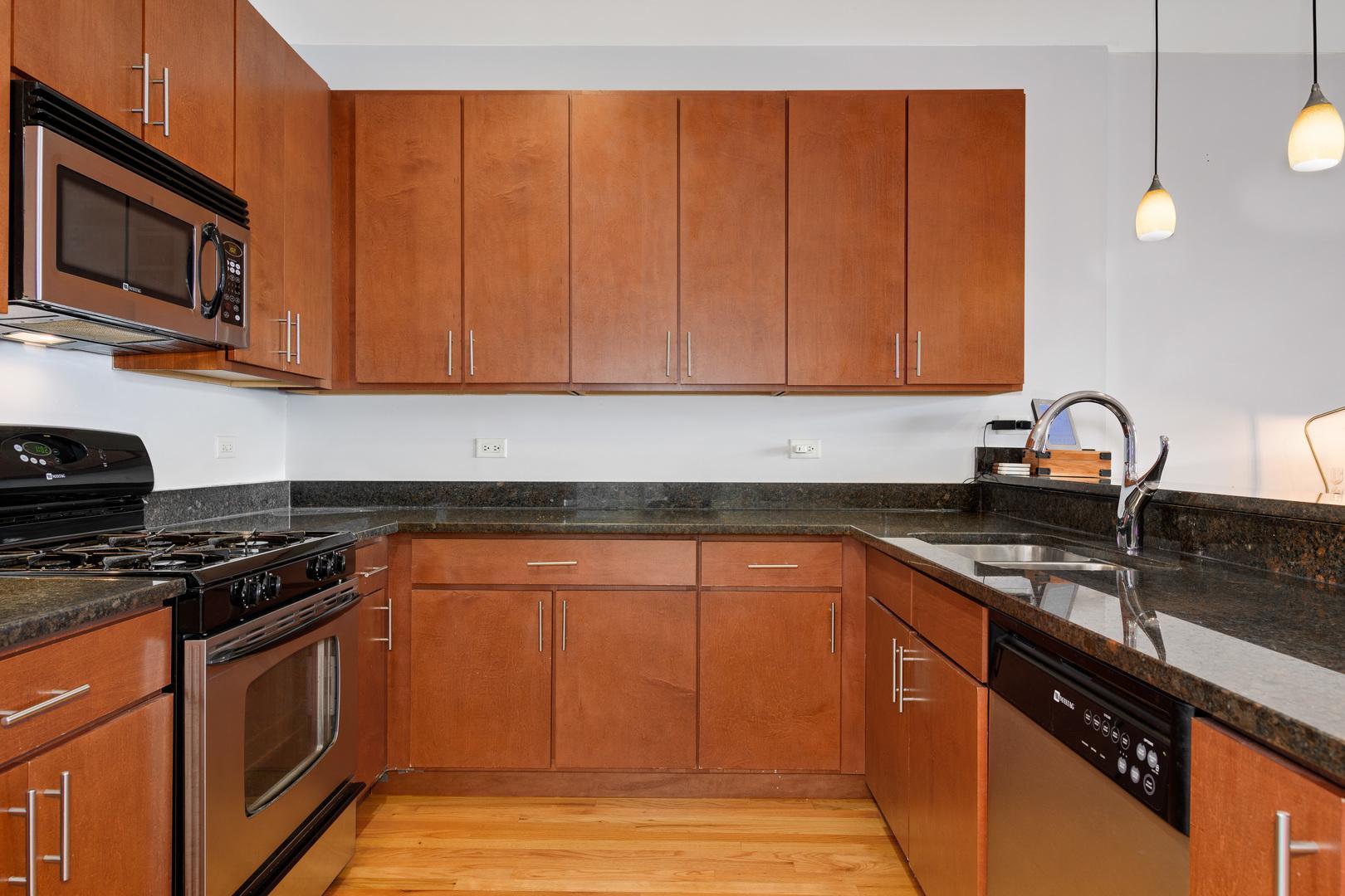 2520 S OAKLEY  Avenue, Unit 403 preview