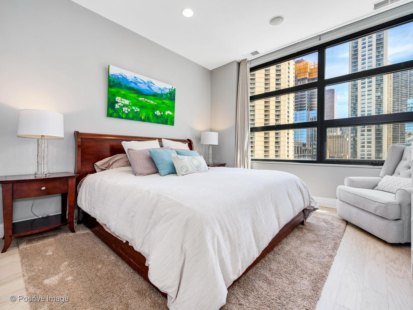 101 W Superior  Street, Unit 1005 preview