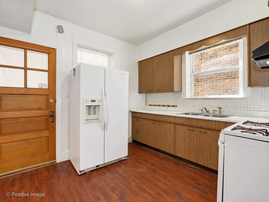 4121 N Francisco Avenue preview