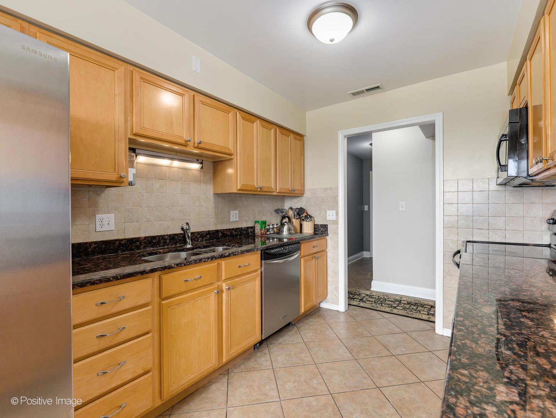 4601 W TOUHY  Avenue, Unit 802 preview