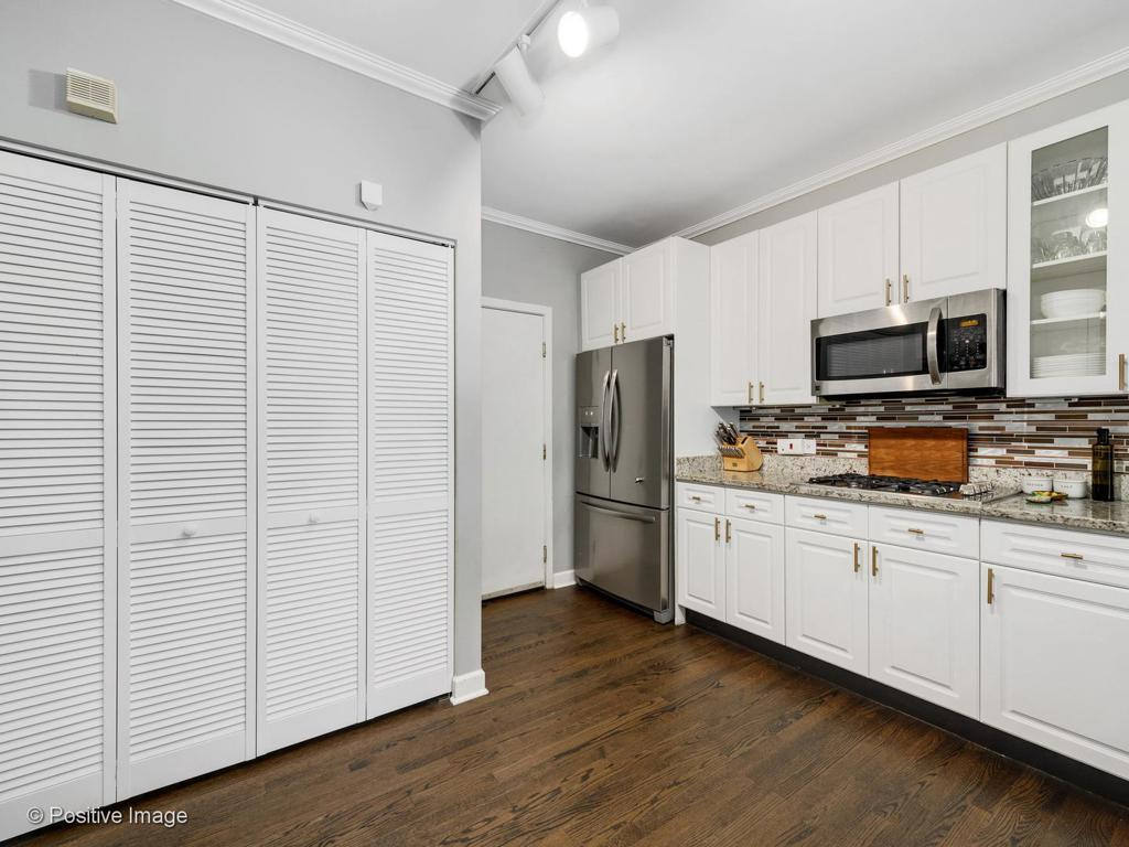 1801 W Diversey Parkway # 13 preview