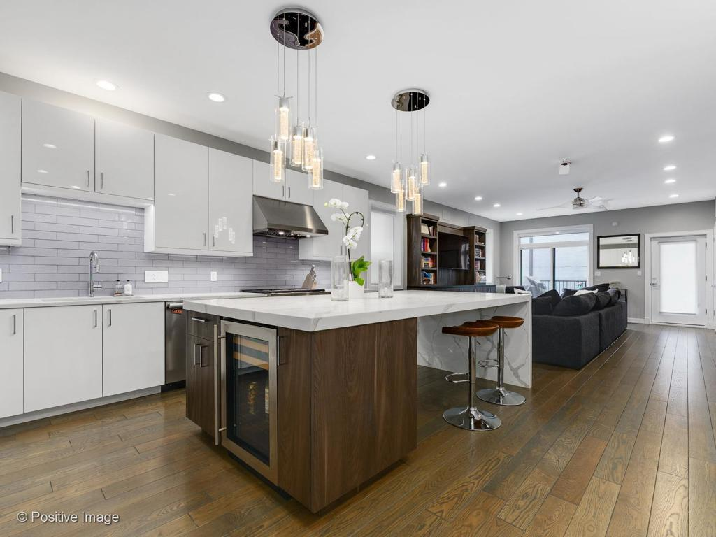 1448 W Erie Street # 1 preview