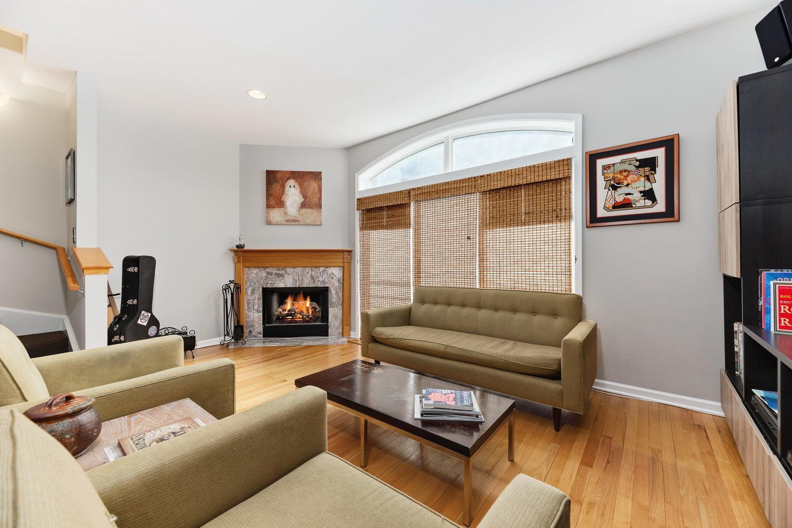 5350 N Damen Avenue # G preview