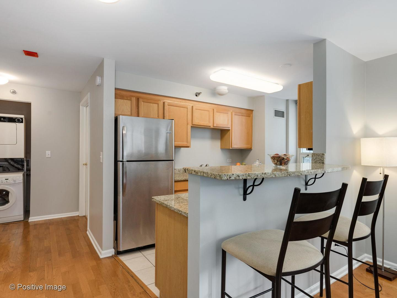 345 N LaSalle  Street, Unit 706 preview