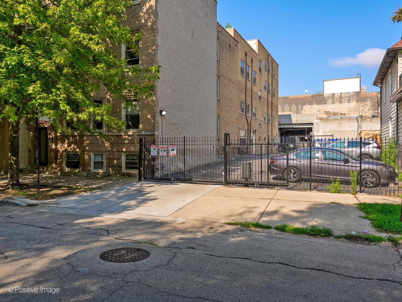 1110 W LELAND  Avenue, Unit 3A photo