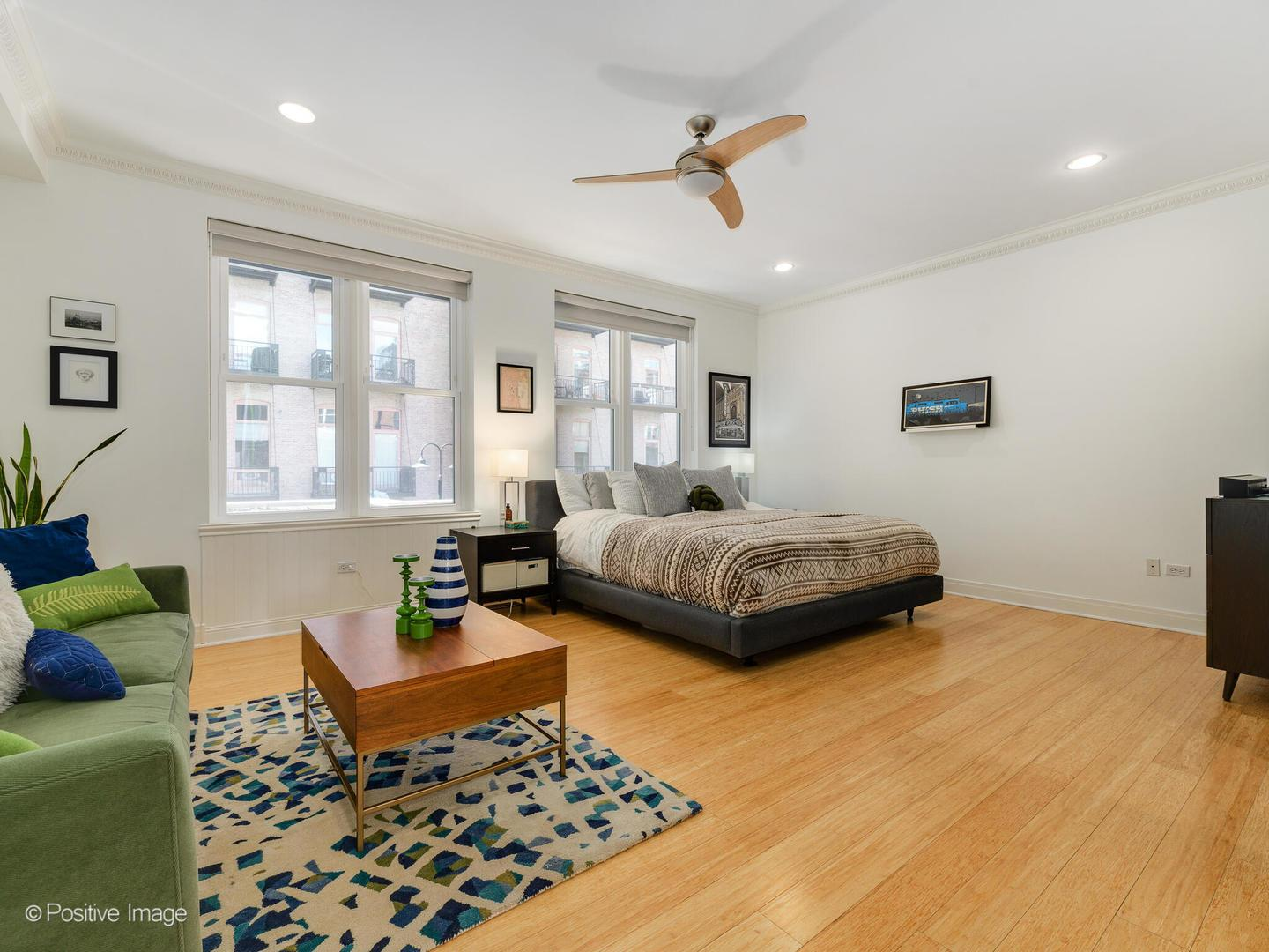 419 W GRAND  Avenue, Unit J preview