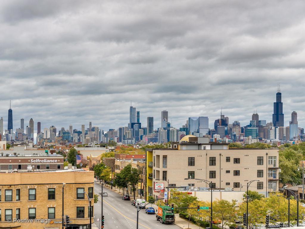 2426 W Chicago Avenue # 303 photo