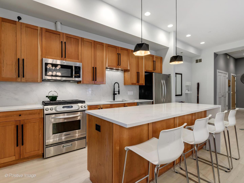 1309 N Ashland  Avenue, Unit 203 photo