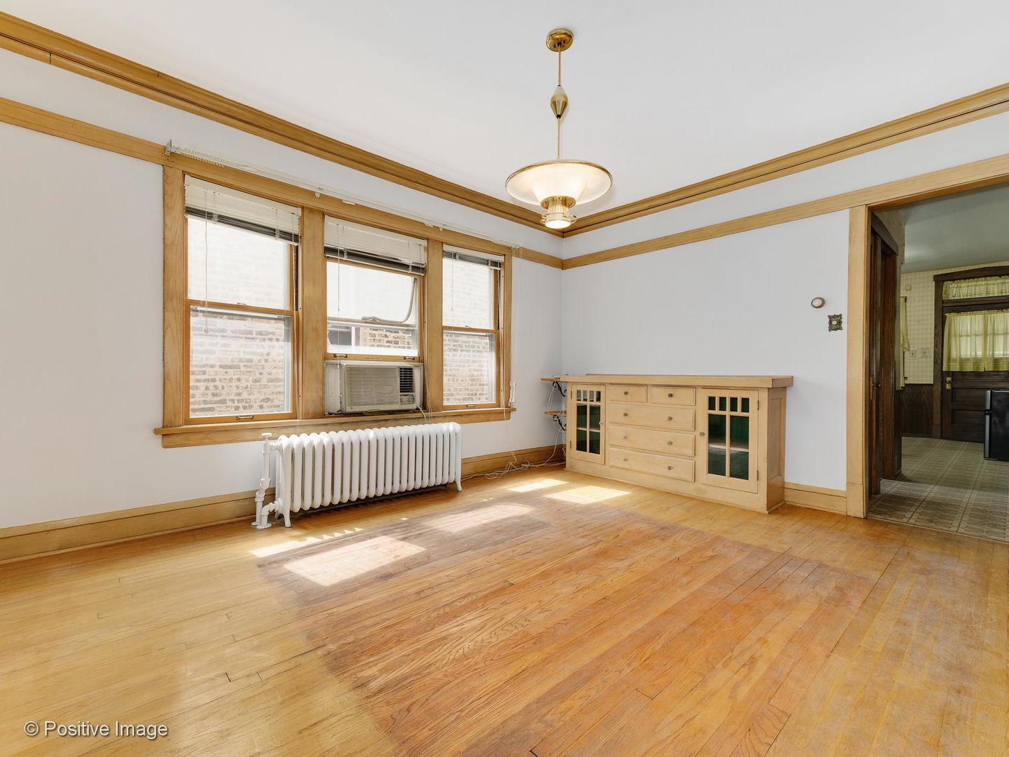 2956 N Springfield Avenue preview