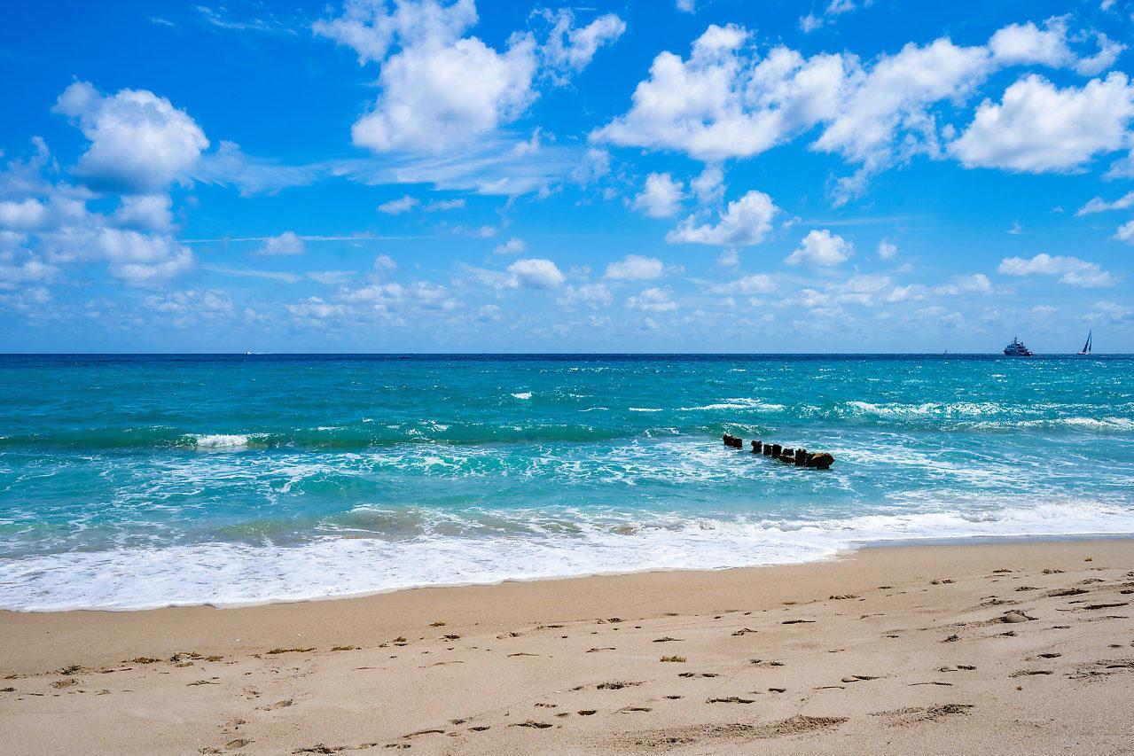 1233 N Ocean Way preview