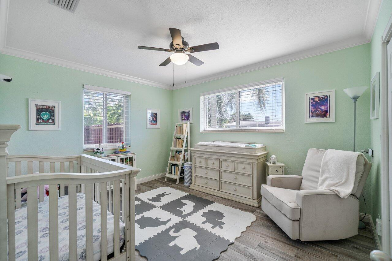 379 Leigh Road preview