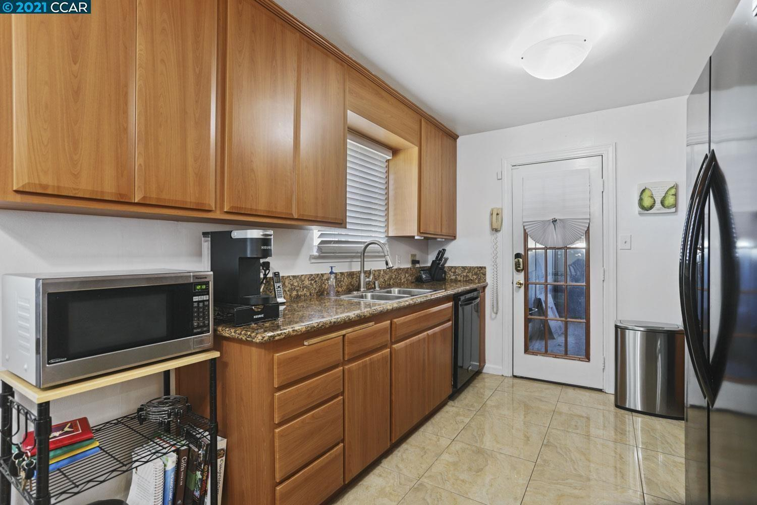 2512 Downer Ave photo