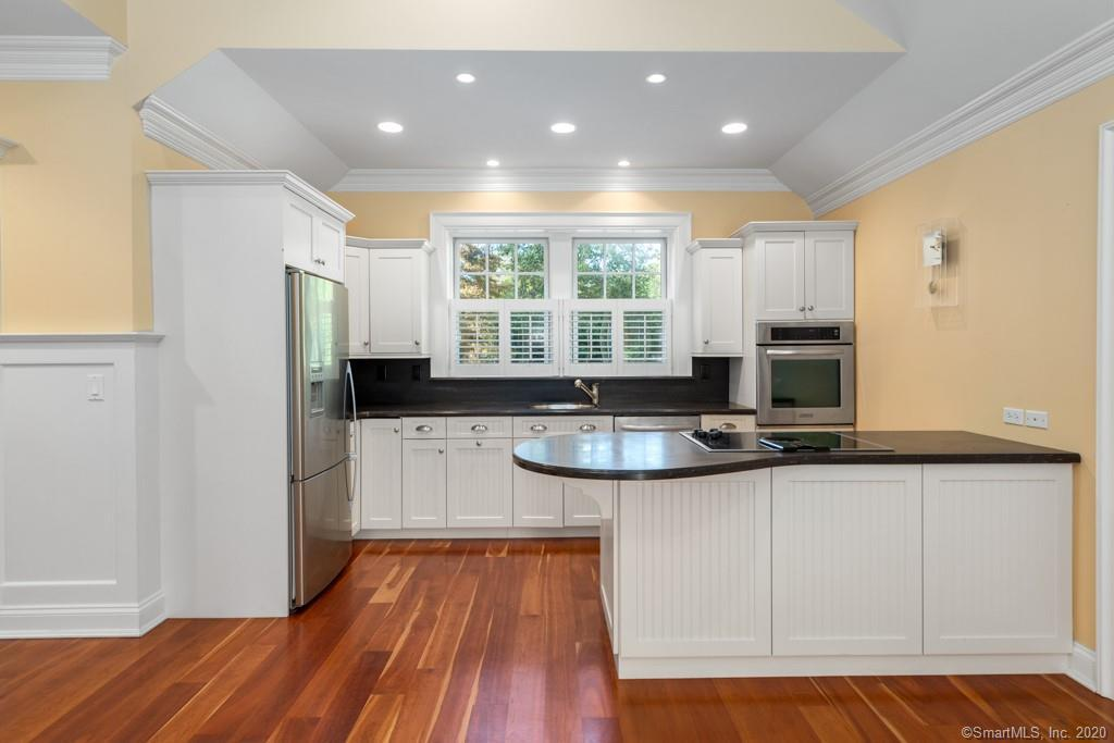530 Flax Hill Road preview