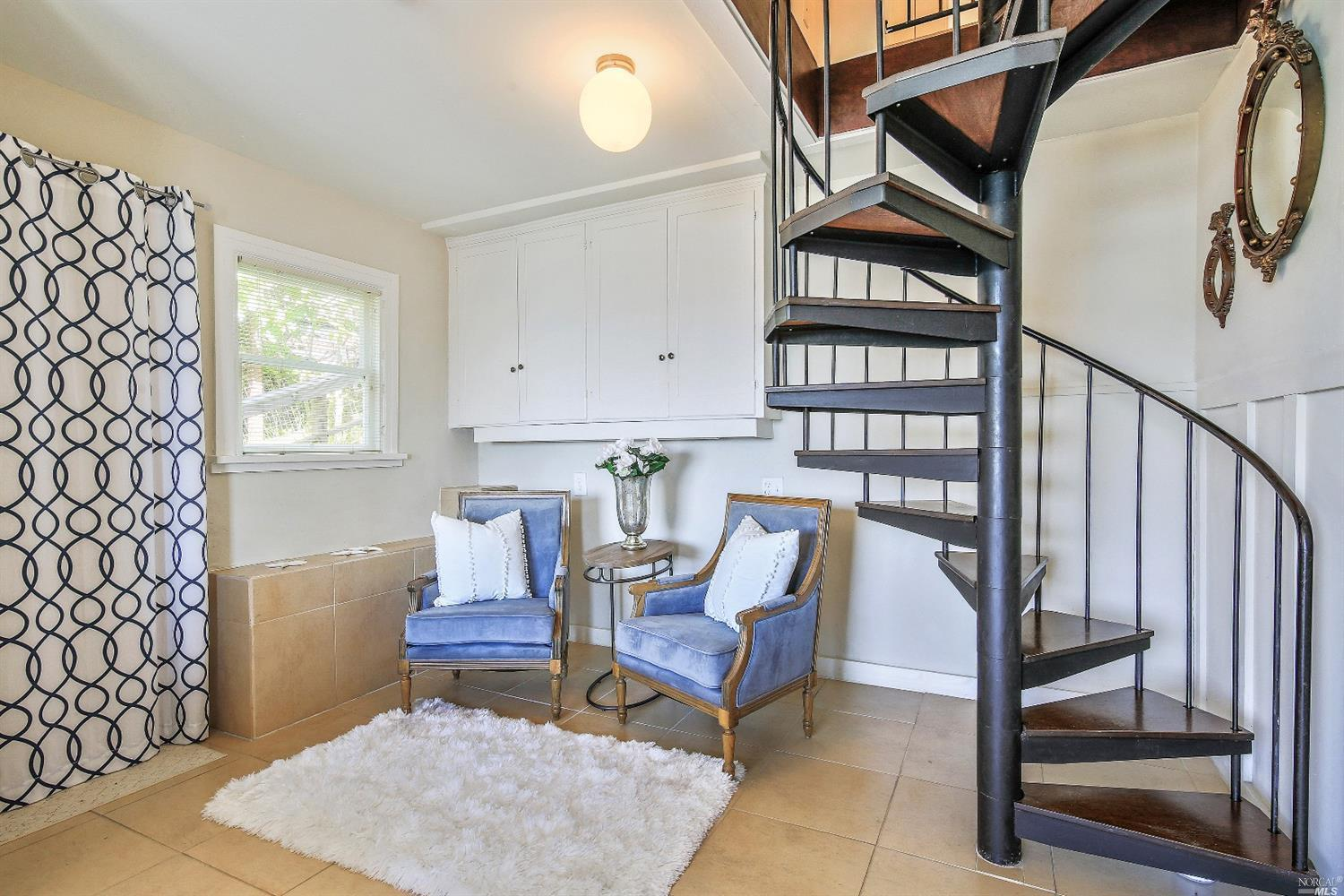 1884 Centro West Street preview