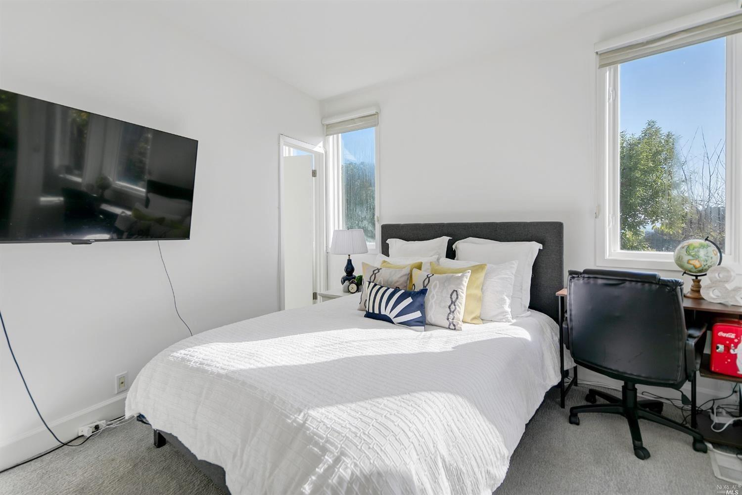 2260 Centro East preview