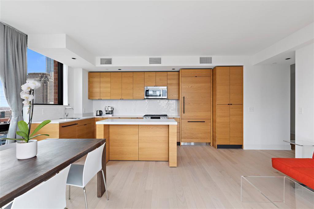 10 PROVOST ST Unit: 2403 preview