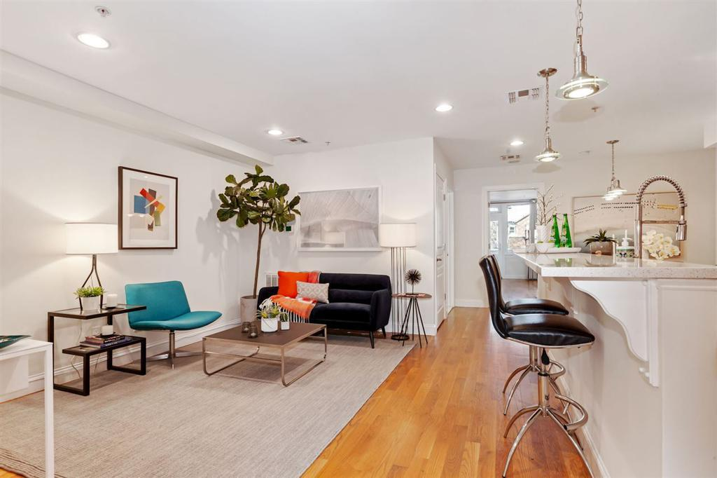 310 2ND ST Unit: 3 preview