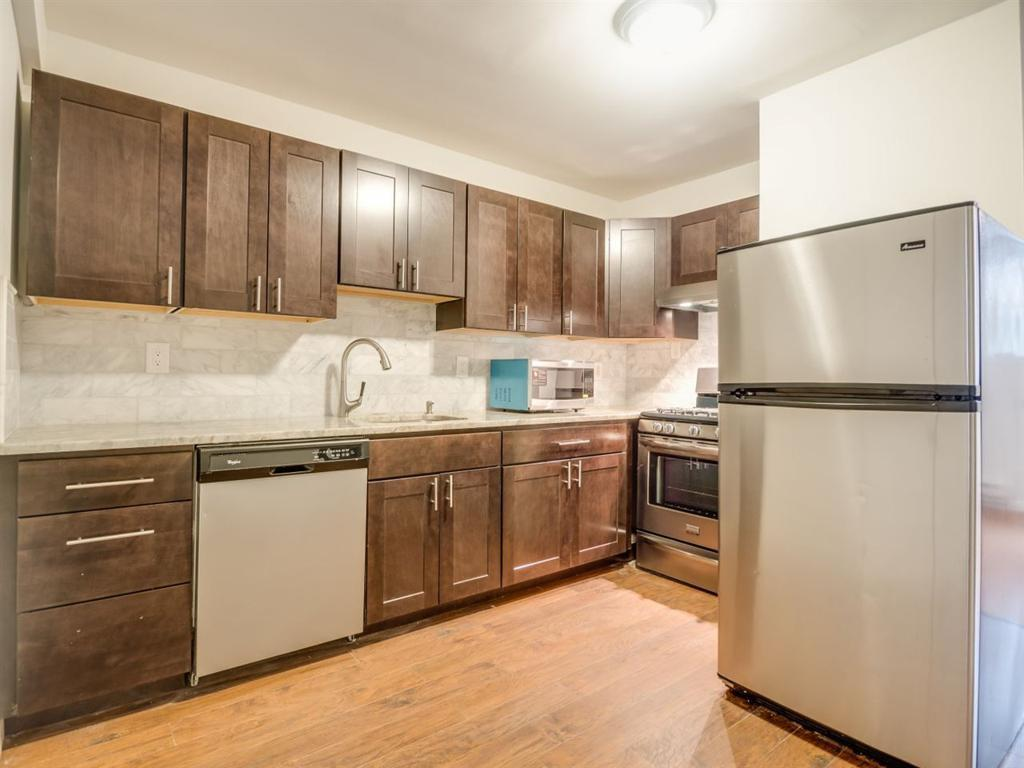 226 CHRISTOPHER COLUMBUS DR #1 preview